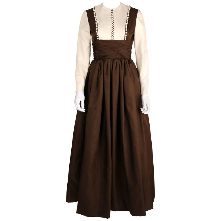 GEOFFREY BEENE A/W 1968 Brown Winter White Silk Faille Evening Gown Dress