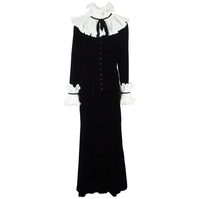 Oscar de la Renta Black and White Velvet and Silk Taffeta Gown Sz 12, c1990s
