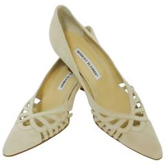 Manolo Blahnik Sand Suede Low Heels With Pointed Toes