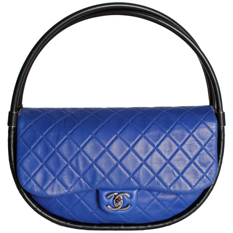 Chanel Hula Hoop Medium Bag Limited Edition - cobalt blue/black For Sale