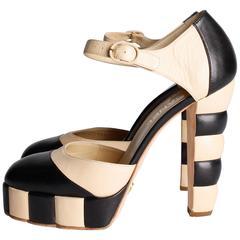 Chanel Pumps - black & beige leather