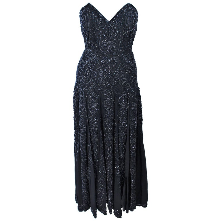 EAVIS & BROWN Black Velvet Heavily Beaded Strapless Gown with Chiffon Size 2 4 For Sale