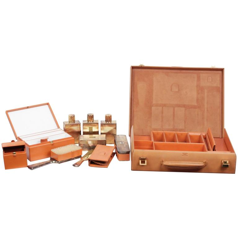 HERMES VINTAGE Tan Leather TRAVEL GROOMING SET w/ Silver TOILETRY Pieces For Sale