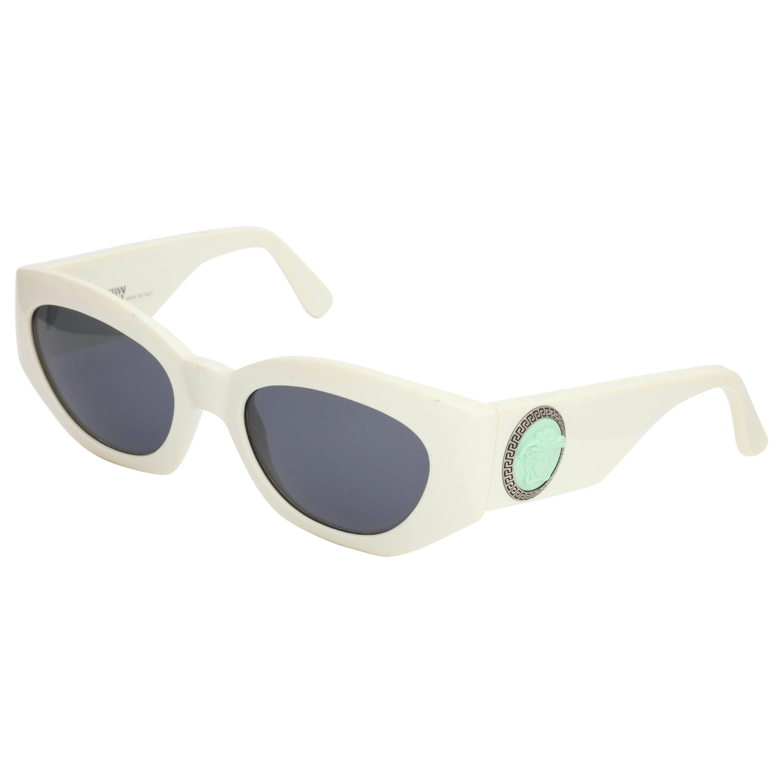 ec5f097440c Gianni Versace Vintage Mod sunglasses 420 E Col 85G at 1stdibs