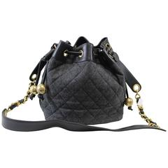 Vintage 1992 Chanel Wool and Leather Bag. Golden Hardware. Free express shipping