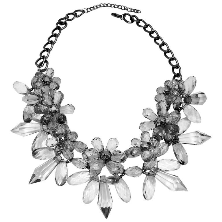 Vintage 1970s Clear Lucite Flower Wire Necklace For Sale