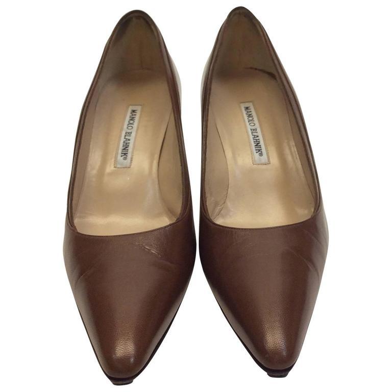Manolo Blahnik Mocha Leather Short Heel For Sale at 1stdibs