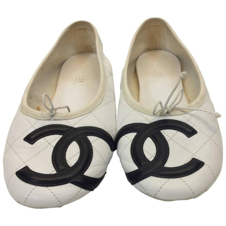 chanel white and black pleated cambon leather ballet flat