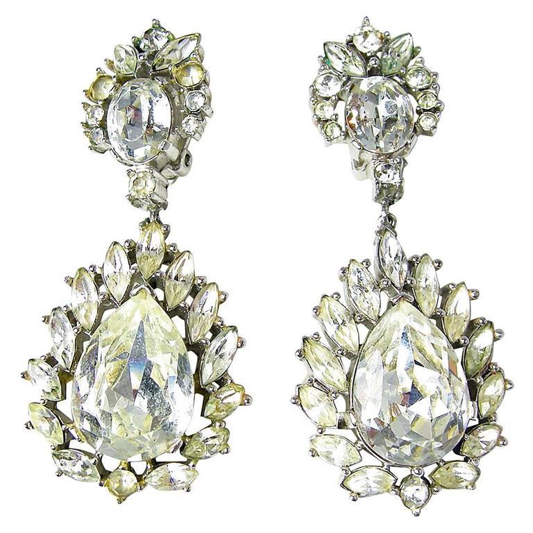 Vintage 1950s Trifari Crystal Drop Earrings 1