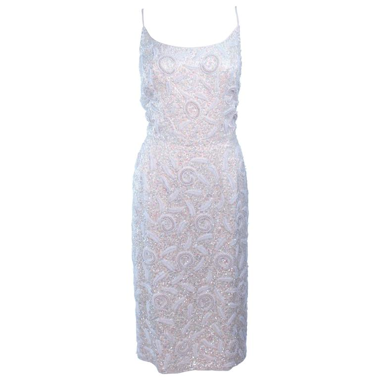 SWEE LO HAUTE COUTURE INTERNATIONAL Ivory Iridescent Cocktail Dress Size 8 10 For Sale
