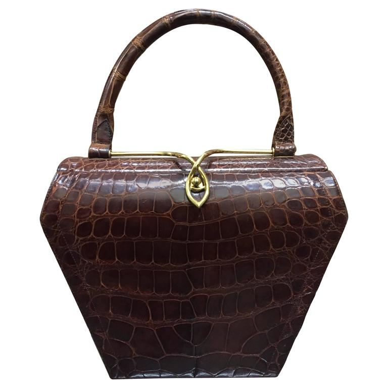 1950s Koret Brown Alligator Structured Handbag w Gold-Tone Clasp For Sale