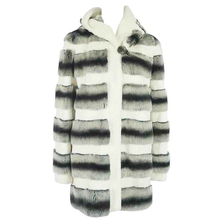 Unknown White, Gray, and Black Striped Rabbit 3/4 Coat - M For Sale