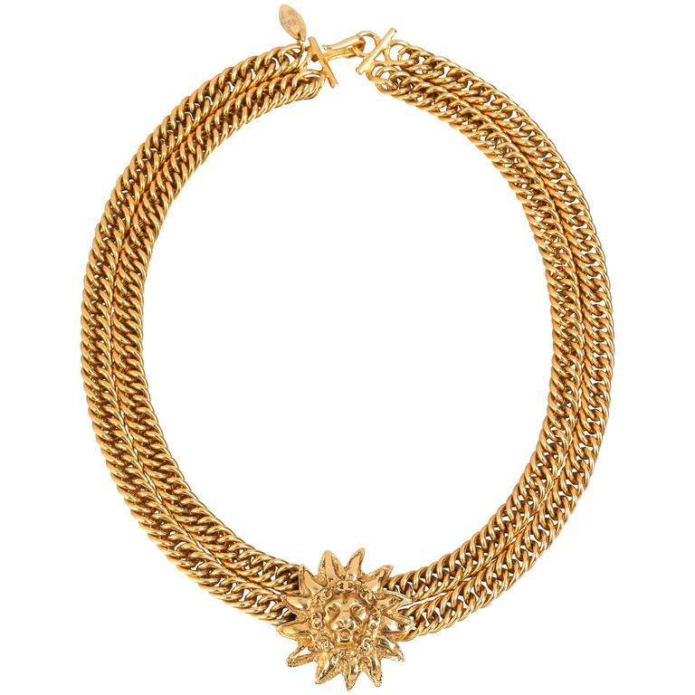 CHANEL 1980s CC Gold France Logo Lion Leo Sun Pendant Chunky Curb Chain Necklace For Sale