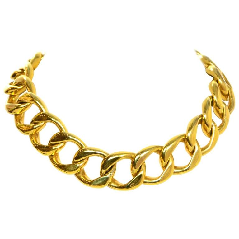 Chanel Vintage Gold-tone Chain-Link Necklace For Sale