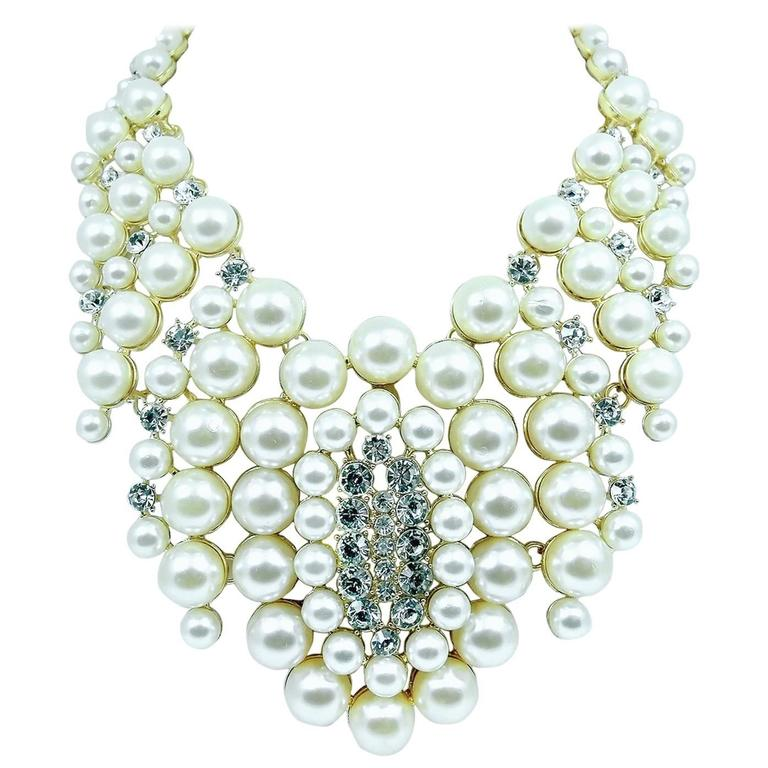 Famous Courrege Chunky Cascading Faux Pearl Statement Necklace 1