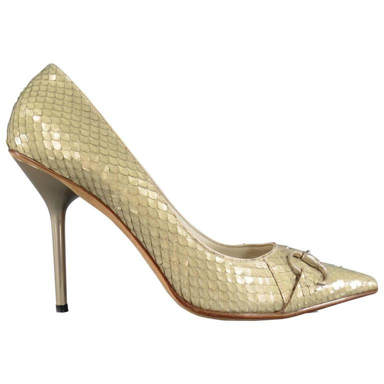 GUCCI Size 9.5 Mint Beige Snakeskin Silver Horsebit Pointed Toe Metal Heel Pumps 1