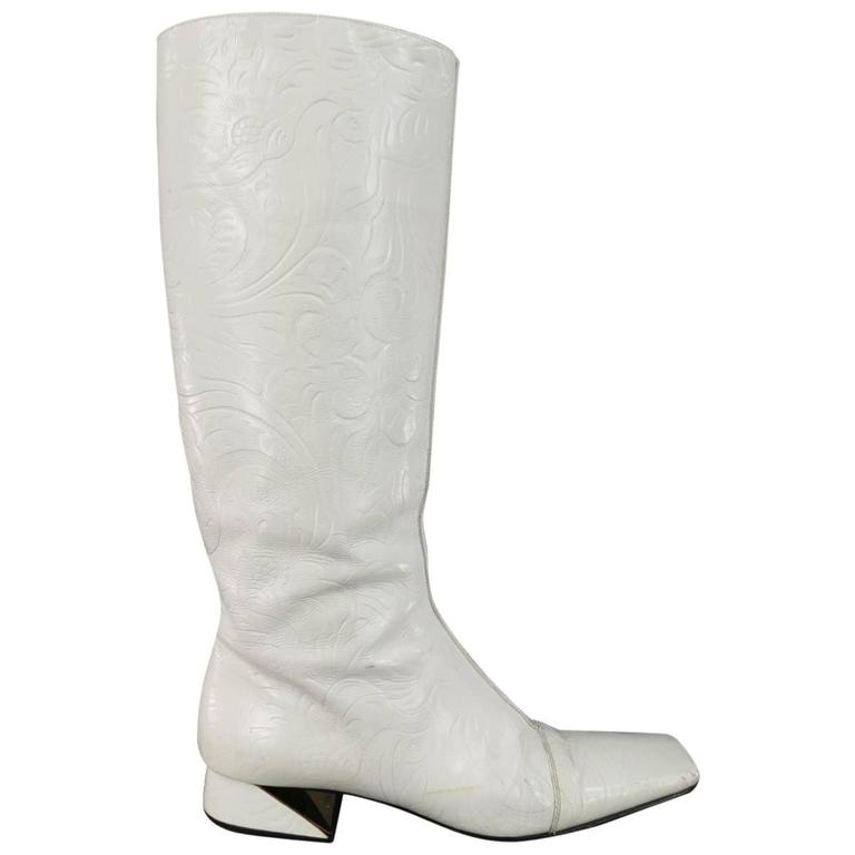 FENDI Size 8 White FLoral Embossed Leather Pull On Go Go Calf Boots 1