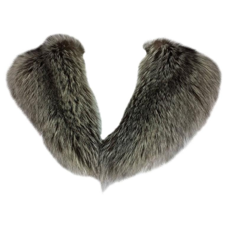 Silver fox fur draped shoulder wrap 1960s  OS 1