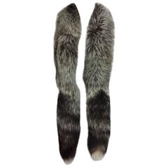 SIlver fox fur long scarf with tails OS 1960s