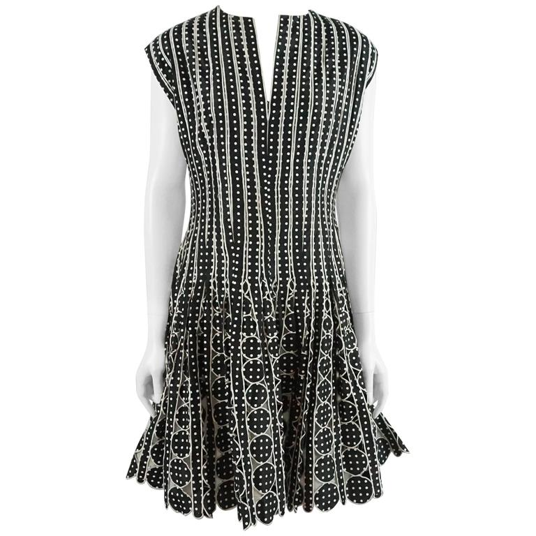 Oscar de la Renta Black and White Polka Dot Pleated Dress - 10 1