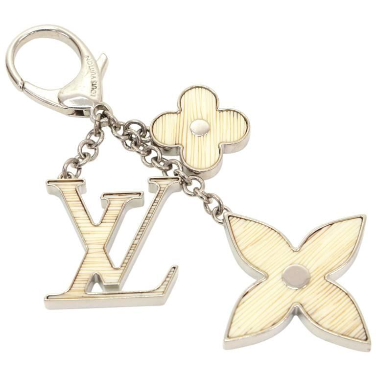 Louis Vuitton Fleur d'Epi White x Silver Tone Key Chain / Bag Charm For Sale
