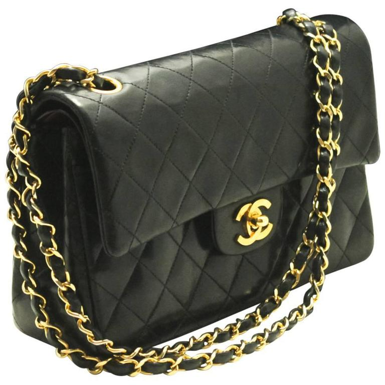 91017b0244a175 Authentic Vintage CHANEL 2.55 Double Flap Classic Small Chain Shoulder Bag  994 For Sale