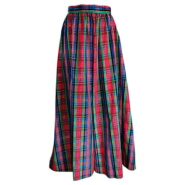 Chic 1960s Tartan Plaid Vintage 60s Taffeta Red + Green + Blue Long Full Skirt For Sale