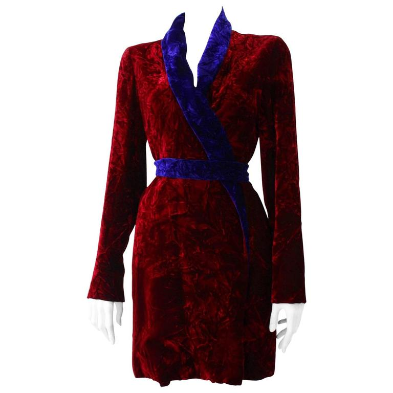 Istante By Gianni Versace Crushed Velvet Evening Coat Fall/Winter 1997 For Sale