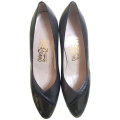 Vintage Salvatore Ferragamo grey and dark brown leather pumps with snakeskin. 8D