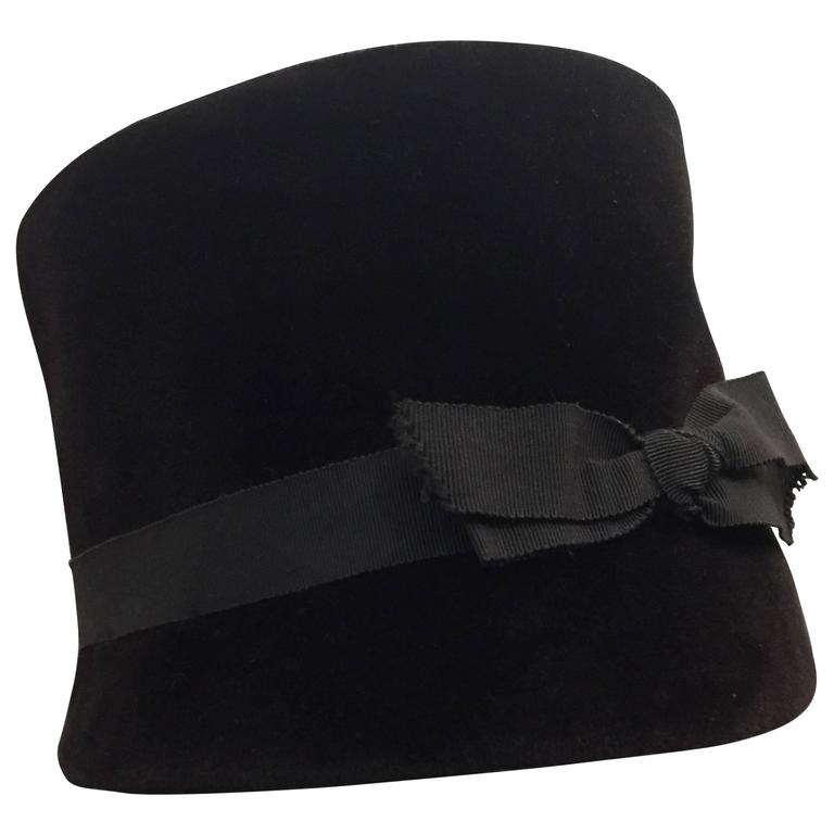 1960s Christian Dior Velvet Equestrian Style Hat W/ Bow  For Sale