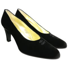 Vintage 90s Chanel Black Velvet Pumps