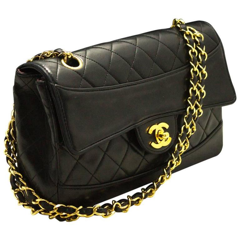CHANEL Single Flap Chain Shoulder Bag Black Quilted Lambskin  1