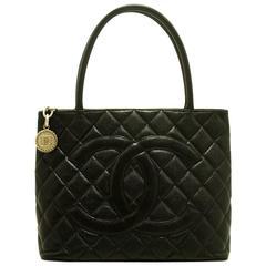 CHANEL Caviar Medallion Silver Hw Shoulder Bag Black Quilted Tote