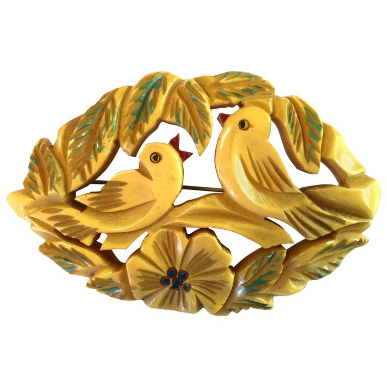 1930s Bone Bakelite Carved and Painted Lovebirds Brooch Pin For Sale