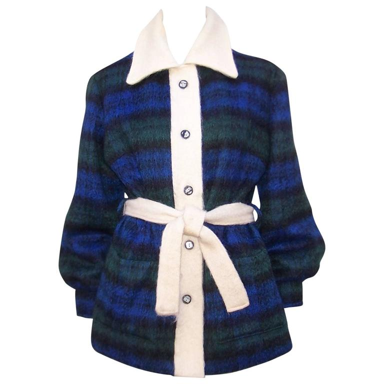 Cozy C.1950 Plaid Scottish Mohair Car Coat Jacket For Sale