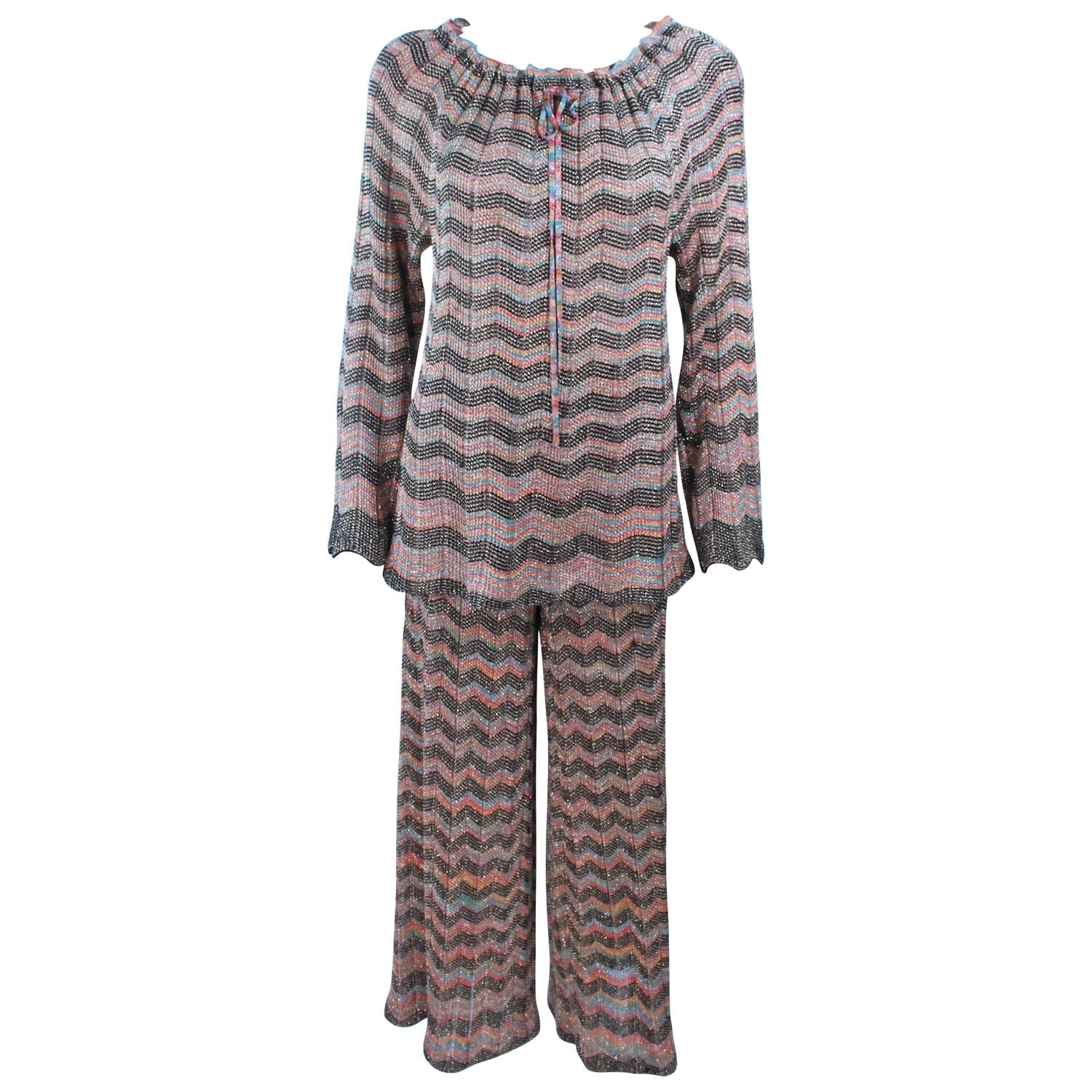 Knit Zig Zag Pattern : MISSONI Gold and Black Zig Zag Pattern Metallic Knit Size 46 For Sale at 1stdibs
