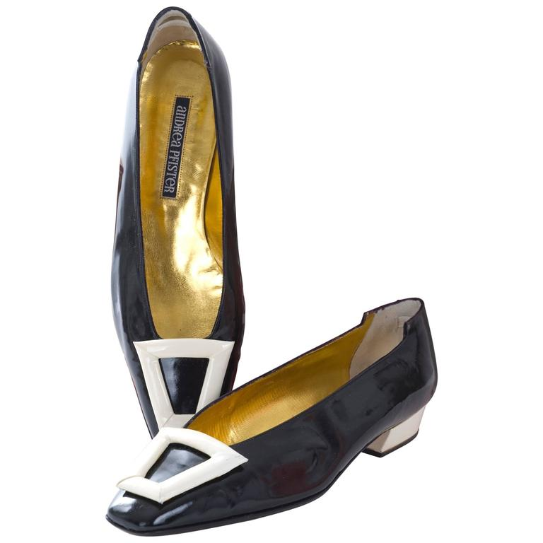 1980s Andrea Pfister Unworn Monocrome Black and Creme Patent Leather Shoe For Sale