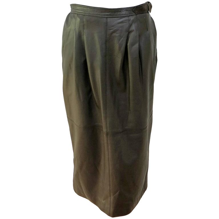 1980s Gucci Knee Length Brown Leather Adjustable Skirt