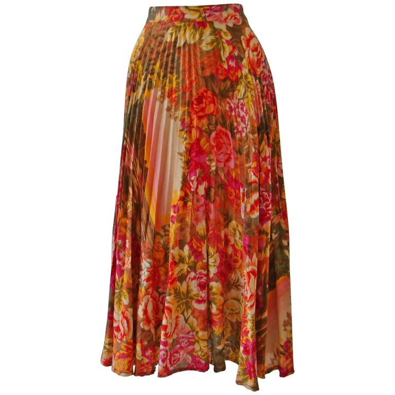 Amazing Kenzo Floral Print Pleated Skirt 1984
