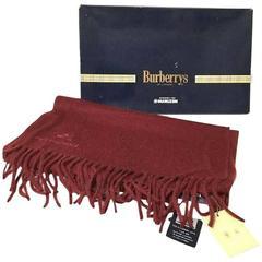 1990s. NEW.Vintage Burberrys wine, bordeaux cashmere 100% long scarf. Unisex.
