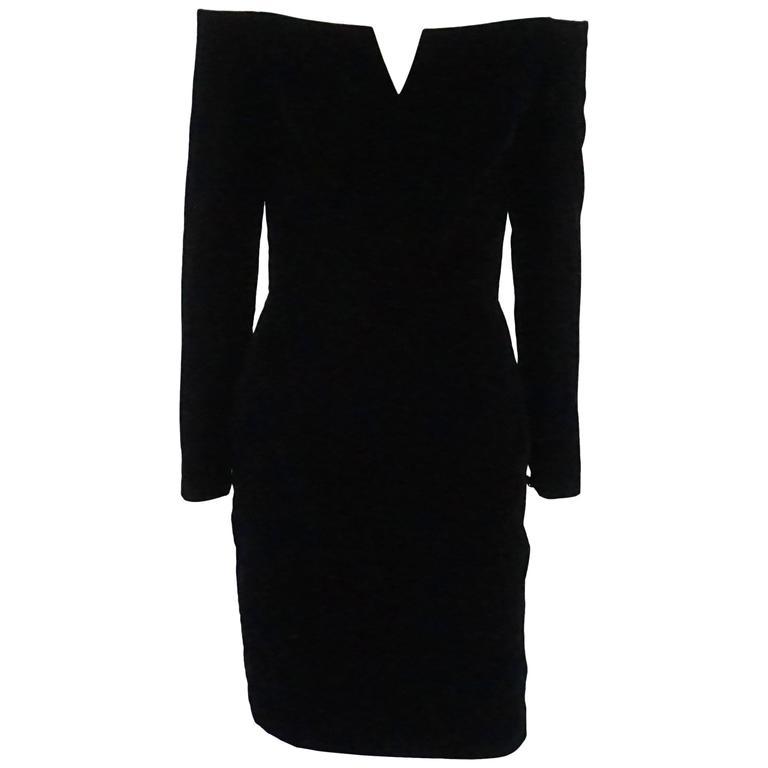 Vicky Tiel Black Velvet Off the Shoulder Long Sleeve Dress - 40 - 1980's