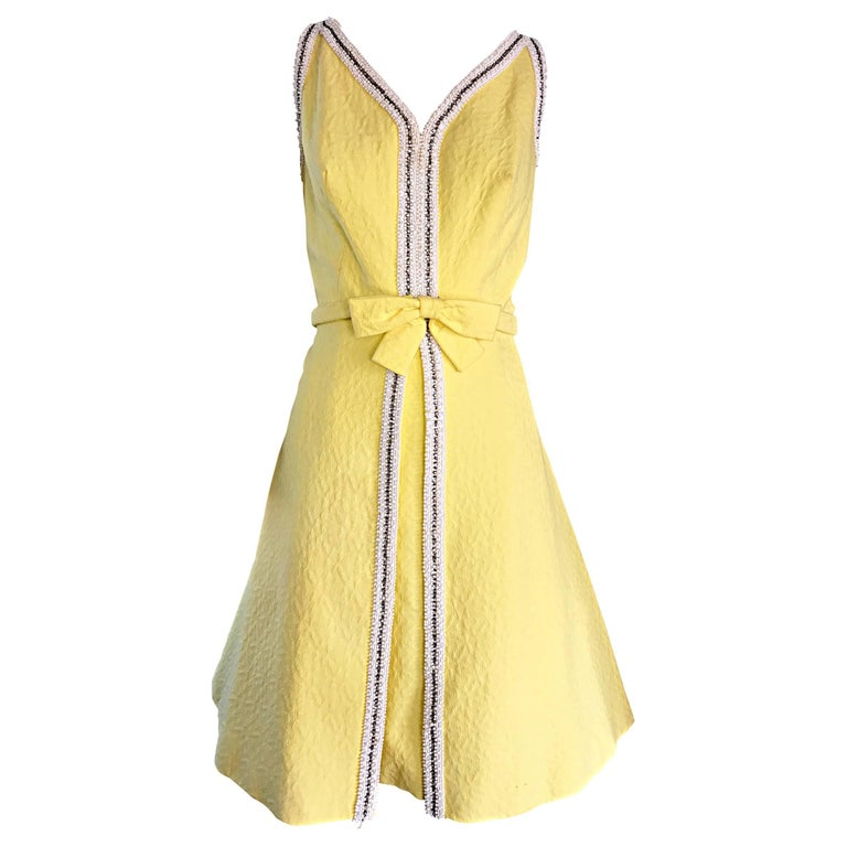 Chic 1960s Seaton Enterprises Ltd. Vintage Large Size Yellow 60s A Line Dress For Sale