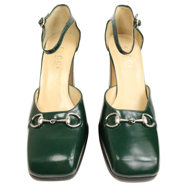 Gucci by Tom Ford Classic Green Leather Square Toe Strap Pumps For Sale