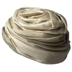 1950s Christian Dior Draped  and Pleated Silk  Ombre Beige Turban Hat