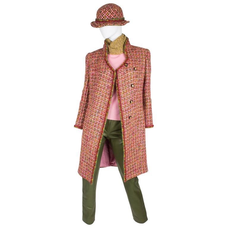 Chanel 4-pcs Suit Coat, Hat, Pants & Top - pink/green bouclé 2001 For Sale