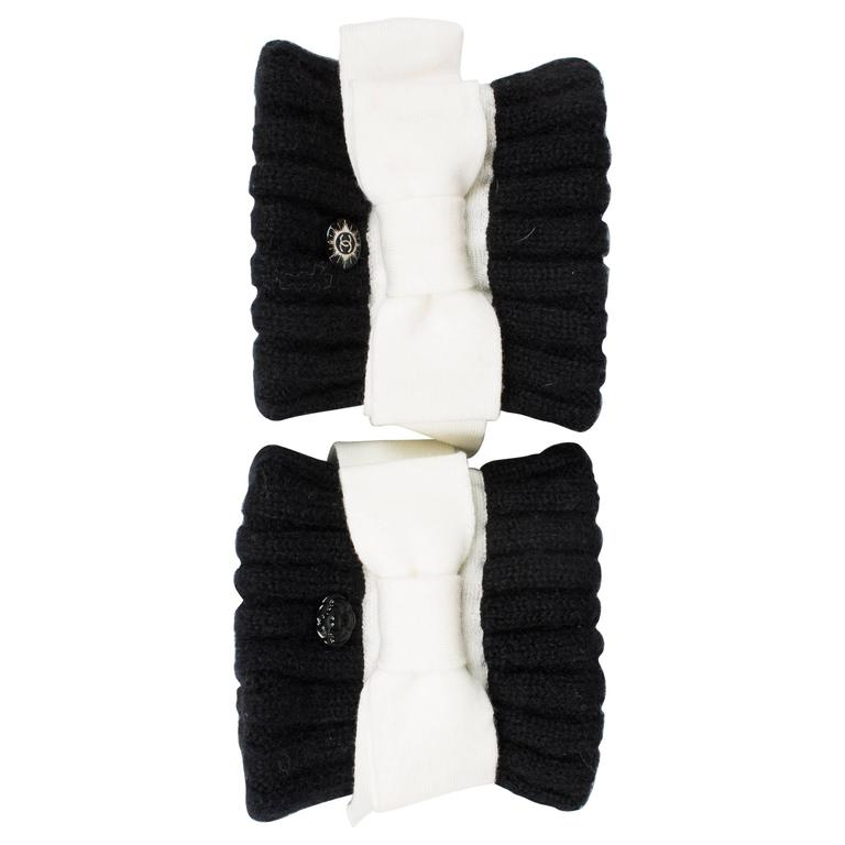 Chanel Wool Cuffs - black & white