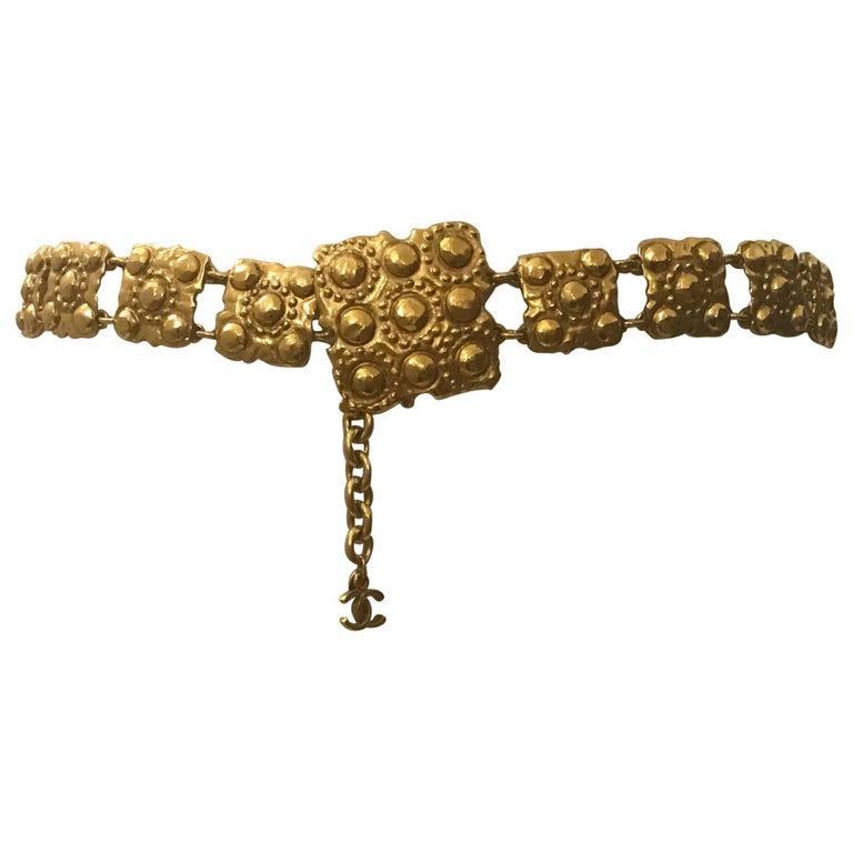 Chanel Vintage Gold Chain Belt Hanging CC Logo Square Medallions, 1980s  For Sale