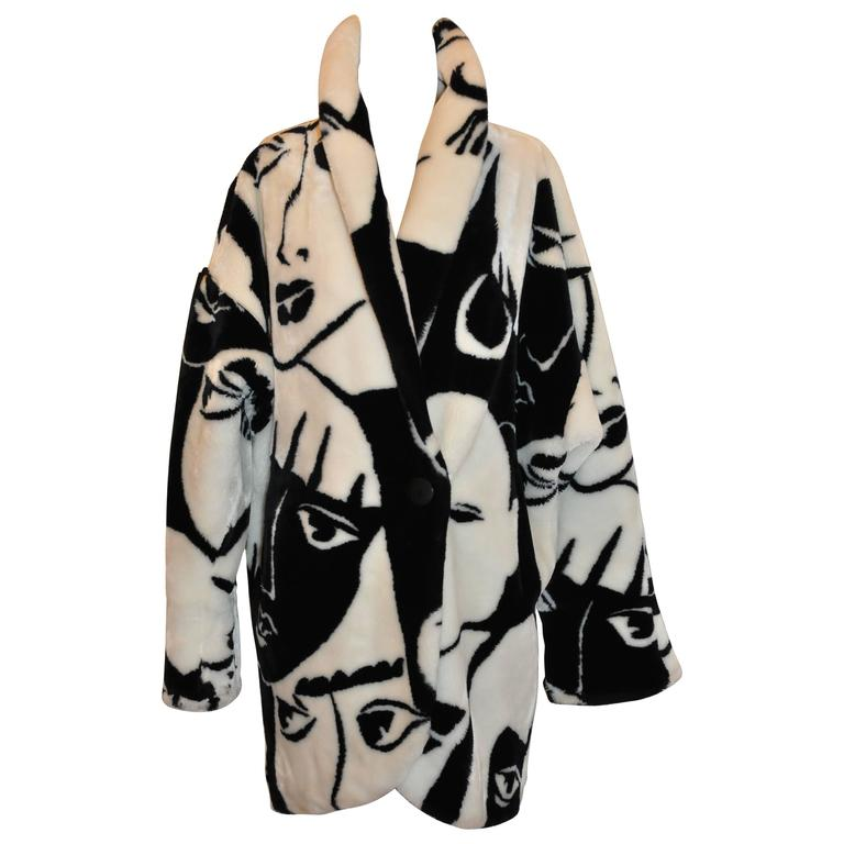 "DonnyBrook Bold Black & White Abstract ""Faces"" Faux Fur Car Coat 1"