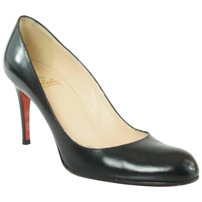 Christian Louboutin Black Leather Pumps - 39 For Sale