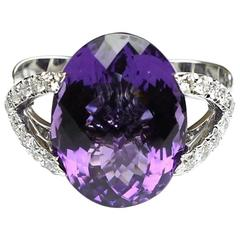18kt Gold amethyst and diamonds ring